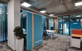 Multizones - Trendsetter in private work areas for open plan offices